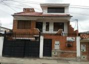 Excelente casa dos departamentos monay 5 dormitorios