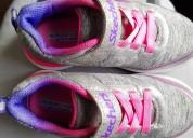 Zapatos skechers de niÑa talla 9usa $55
