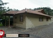 Casa con area verde zona exclusiva de terreno 4 dormitorios