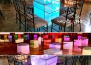 *Mesa de cubo con vidrio* y luces