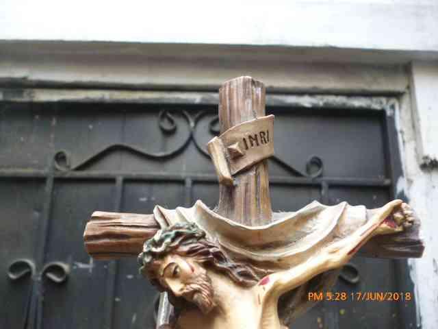 Venta de Cristo de madera en la Cruz en Guayaquil