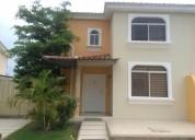 Alquilo casa en manta urbanizacion sariland 3 dormitorios