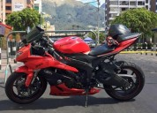 Hermosa moto ninja kawasaki supersport en quito