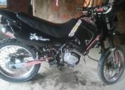 Vendo esta moto en buen estado en portoviejo