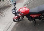 Vendo moto con papeles al dia 2018 en guayaquil