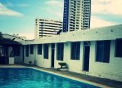 Alojamiento vacacional en tonsupa a dos cuadras de la playa 3 dormitorios