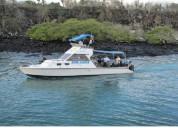 Embarcacion para turismo marino y paseos acuaticos