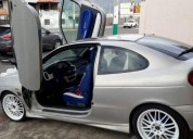 Vendo por viaje renault megane 2002.