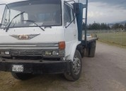 Camion hino en cayambe