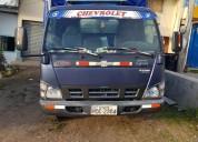 Vendo excelente camion npr en cuenca