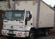 Camion furgon ford en alfredo baquerizo moreno