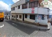 En venta casa esquinera de 2 plantas en cayambe