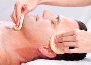 Limpieza facial con aceites esenciales naturales