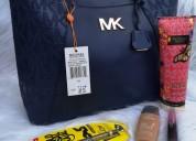 Combos de bolsos con set completo de maquillaje