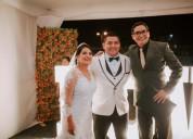 Animador y maestro de ceremonias de matrimonios.