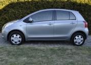 Toyota yaris color gris