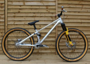 Canyon stitched 720 pro custom build, slopestyle d