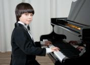 Profesor ruso de piano a domicilio 0984257802.titu