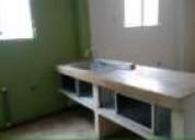 Alquilo departamento interior en la kennedy