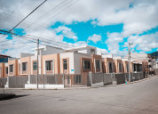 Casa esquinera de venta a estrenar de tres plantas