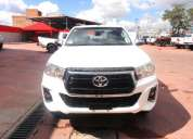 Toyota new hilux 2 4 cd 4x4 2019 17000 kms