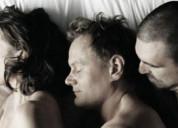 Pareja bisexual busca chico para trío bisexual