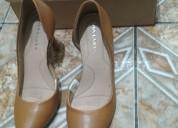 Zapatos puntuados semi altos